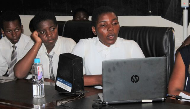 Learners from Malawi and Switzerland in Youth Climate Dialogue